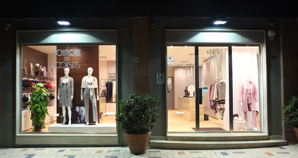 esterno negozio boutique des corsets
